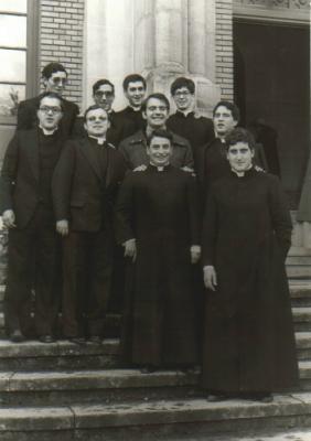 20090822212525-sacerdotes.jpg