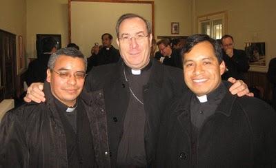 20100220235604-con-el-arzobispo.jpg