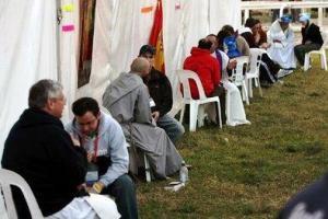 20110715213111-5707-confesiones-durante-una-jornada-mundial-de-la-juventud.jpg