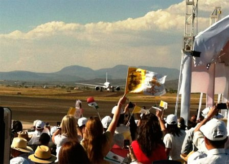 20120324215519-avion2.jpg