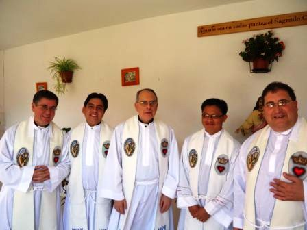 20120905225008-el-papa-en-la-sagrada-familia.jpg