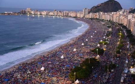 20130824215056-3millonescopacabana-noche.jpg