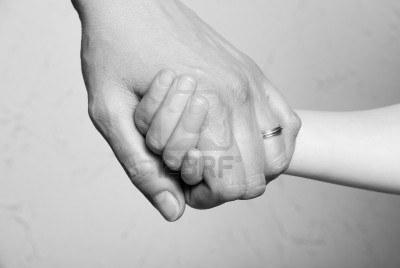 20130911220443-8931425-signo-de-mano-juntos-amor-familiar.jpg