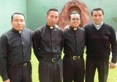 20141206172430-cuatro-sacerdotes-para-solola.jpg