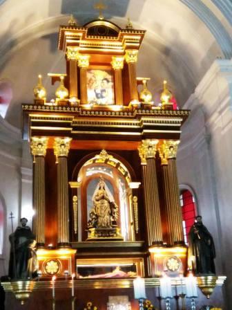 20150813212106-retablo-catedral-solola.jpg