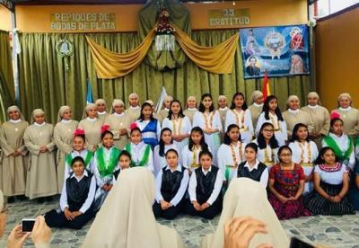 20180415230158-hijas-de-santa-maria-del-corazon-de-jesus-solola.jpg